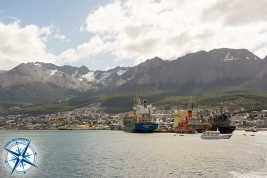Ushuaia , the port and the Glaciar Martial.