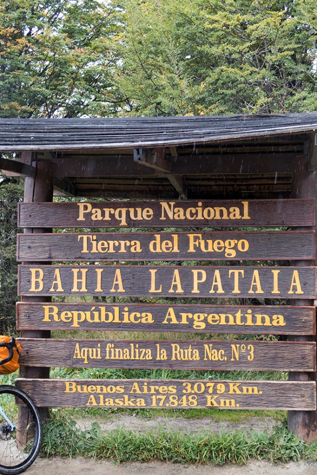 A sign that one needs to photograph once there - the southern end of Ruta 3.